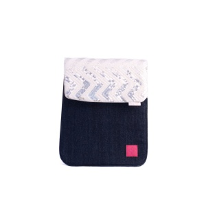 Techie iPad sleeve with Suzette panel